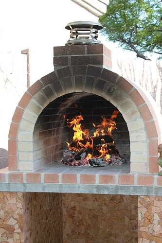 How To Build a Wood Fired Brick Oven (30)
