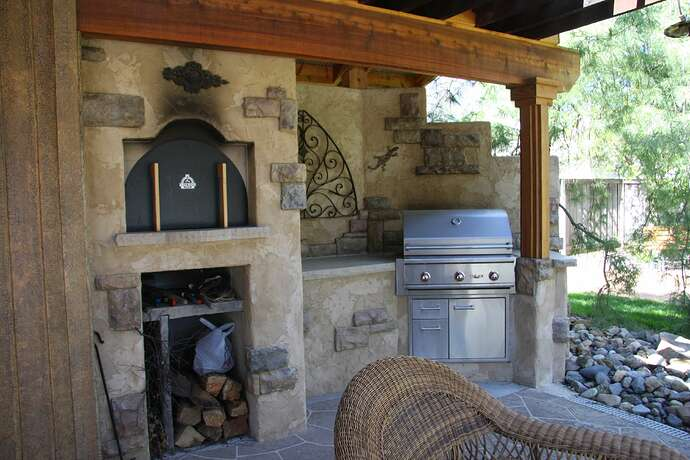 Wood Fired Pizza Oven and BBQ (5)
