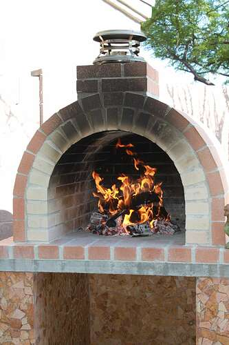 How To Build a Wood Fired Brick Oven (29)
