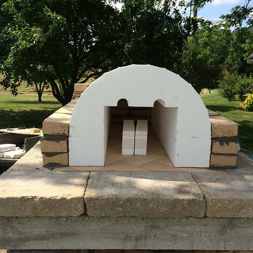 Making An Outdoor Pizza Oven (14)