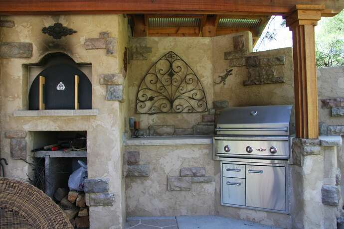 Wood Fired Pizza Oven and BBQ
