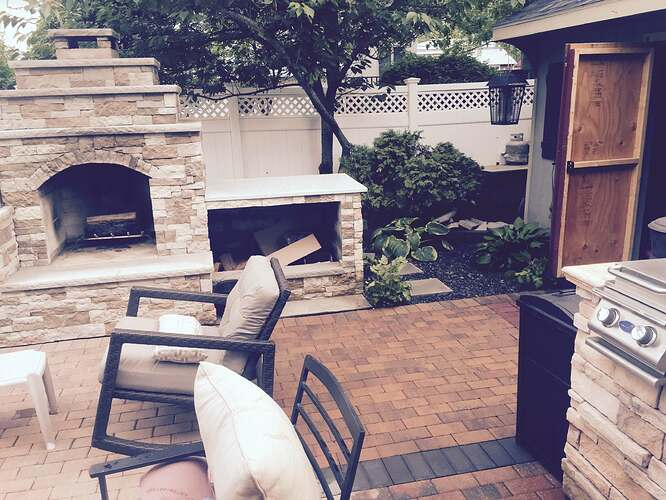 Outdoor Fireplace and Pizza Oven (7)