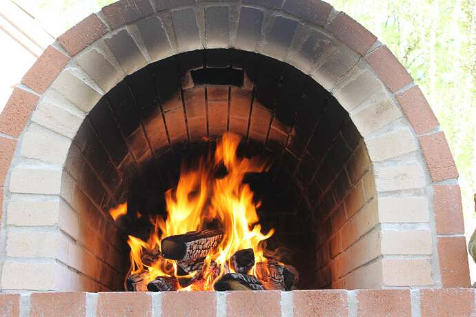 How To Build a Wood Fired Brick Oven (32)