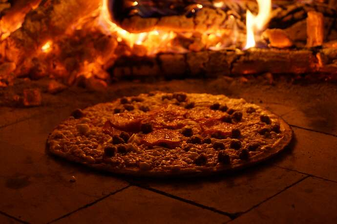 Refractory Cement Pizza Oven (129)