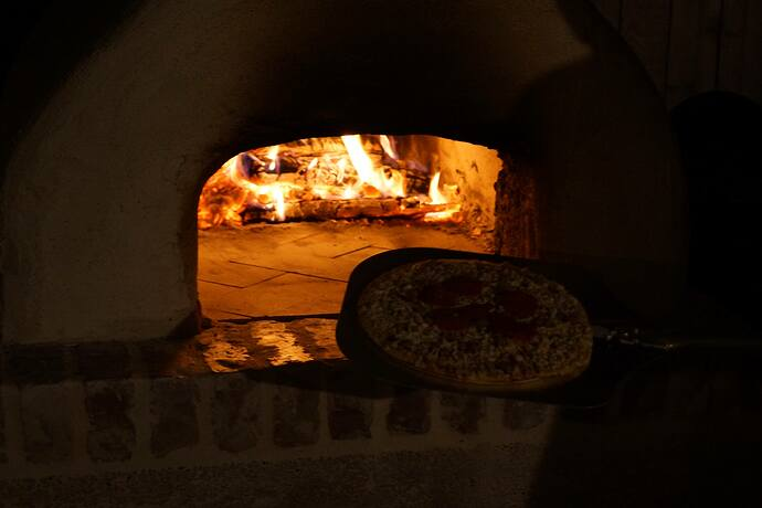 Refractory Cement Pizza Oven (128)