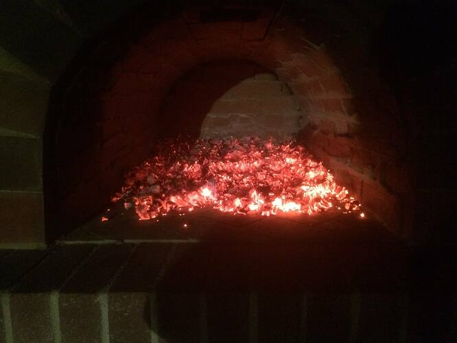 How To Make A Garden Pizza Oven (23)
