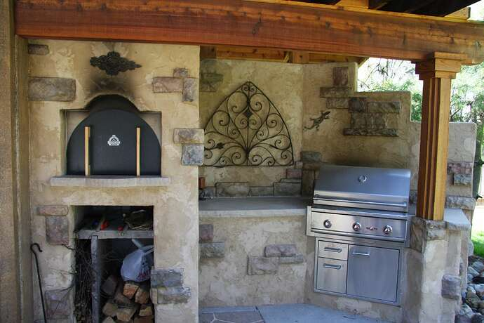 Wood Fired Pizza Oven and BBQ (25)
