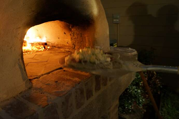Refractory Cement Pizza Oven (133)