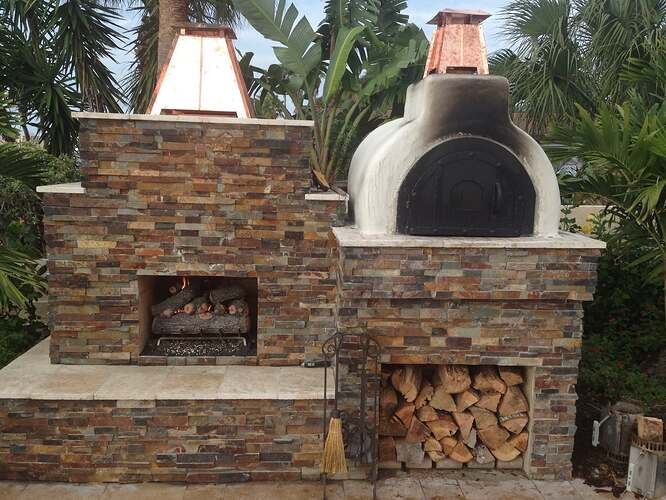 Outdoor Fireplace with Chimney (1)
