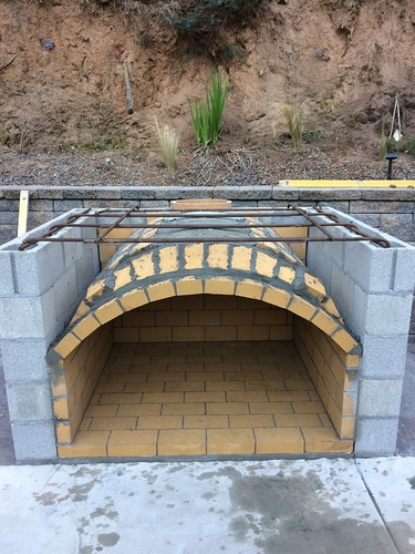 Outdoor%20Fireplace%20with%20Pizza%20Oven%20(31)