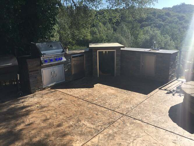 Outdoor Pizza Oven and Grill (2)
